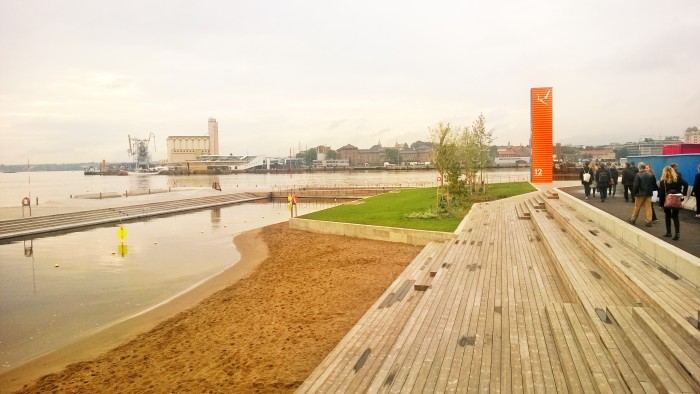 Urban beach in Bjørvika